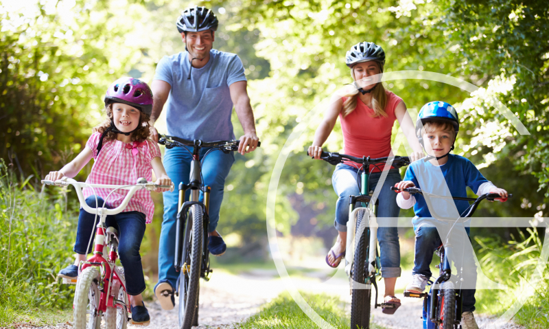 7 Ways to Get Healthy Spending Time Outdoors With Your Family